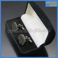 palm hand logo engraved cuff links for men 4